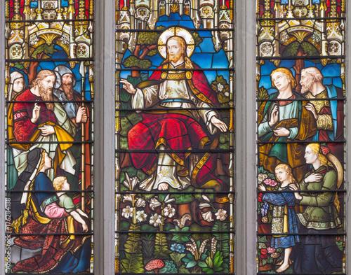 londyn-wielki-brytania-wrzesien-14-2017-nauczanie-jezus-na-witrazu-w-kosciol-st-catharine-cree-od-19-centu