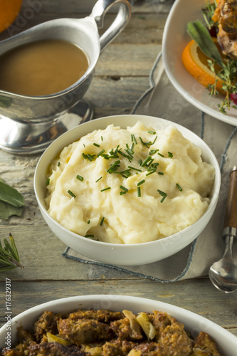 Homemade Creamy Whipped Mashed Potatoes