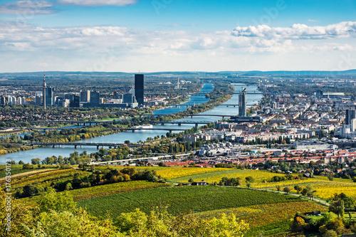 Tuinposter Wenen Wien Panorama im Herbst
