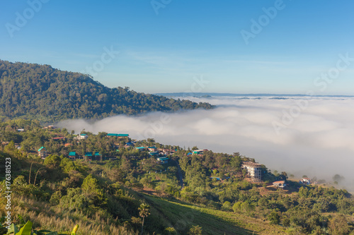 Aluminium Thailand Mountains and mist at Khao Kho, Thailand.
