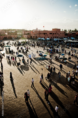 Papiers peints Maroc Shadows refleciting on the ground in the Marrakech Square