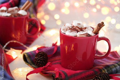 Papiers peints Chocolat Cups of hot chocolate with marshmallows and cinnamons