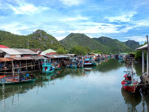 Aluminium Thailand fishing village