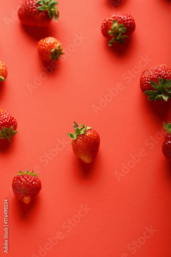 Local strawberries background - 176498334