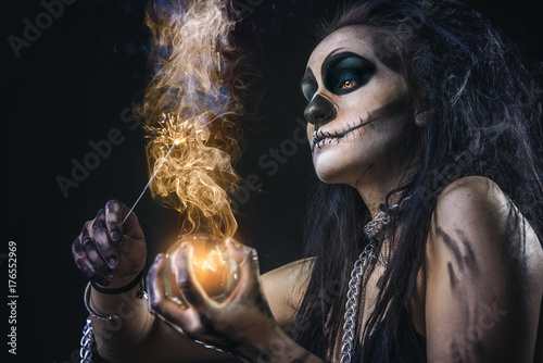 Plakat Zombie death voodoo scary witch girl, halloween concept, casting fire spells wit