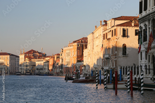 Spoed canvasdoek 2cm dik Venetie ancient palace in Grand Canal in Venice