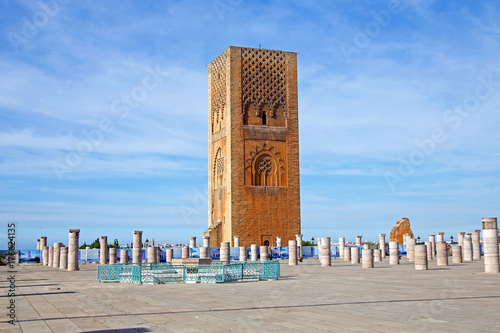 Papiers peints Maroc Marocco,Rabat. The Hassan Tower opposite the Mausoleum of King Mohamed V.