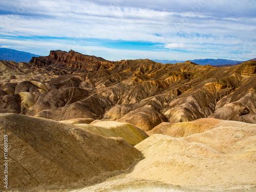 Papiers peints Bleu ciel Rocky Vista in Death Valley