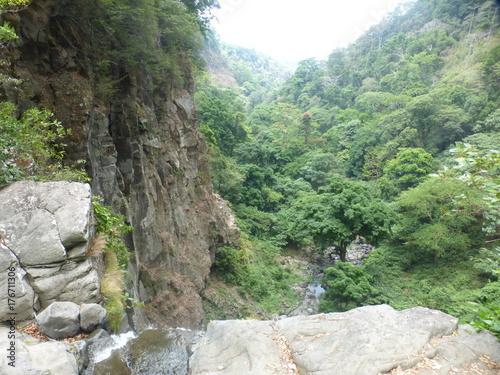 Fotobehang Bergrivier view