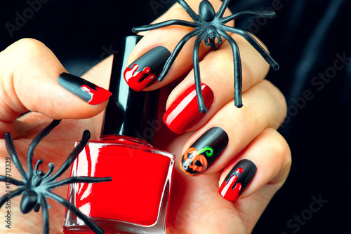 Papiers peints Manicure Halloween holiday manicure design ideas. Halloween nail art