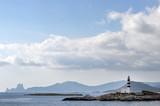 Küste von Ibiza mit Leuchtturminsel und Zauberfelsen Es Vedra - 176736198