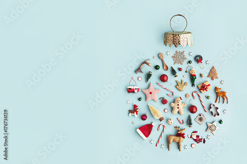 Leinwanddruck Bild Christmas ornament flat lay