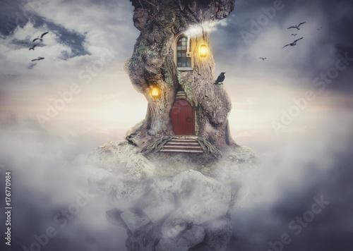 casa-del-arbol-de-hadas-sobre-roca-volando-en-el-cielo-de-fantasia