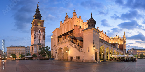 Foto op Canvas Milan Panorama of Townhall and Cloth Hall in the Morning, Krakow, Poland