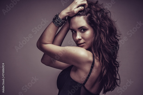 Plakát Portrait of a smilling brunette woman