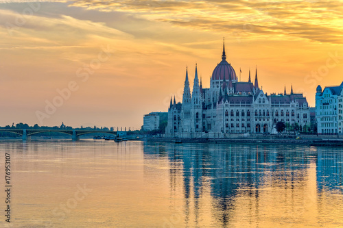 Budapest sunrise city skyline at Hungalian Parliament and Danube River, Budapest Poster