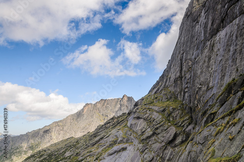 Fotobehang Grijs Daylight landscape, view on mountains and rocks, Ergaki