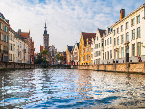 Papiers peints Bruges Poortersloge, aka Burghers Lodge, at Spiegelrei canal in Bruges, Belgium