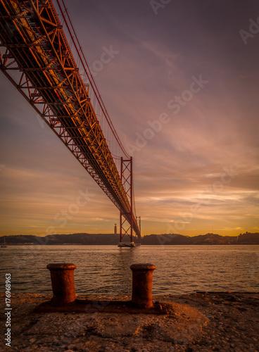 Atardecer en Lisboa, Puente 25 de Abril Poster