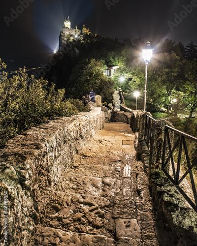 Papiers peints Gris traffic San Marino by night