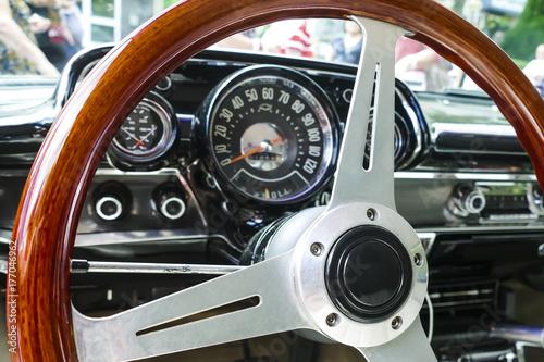 Poster Lenkrad eines restaurierten Cabrios