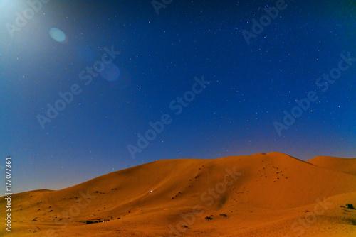 Papiers peints Maroc Night in Erg Chebbi Sand dunes near Merzouga, Morocco
