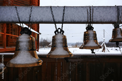 Foto op Plexiglas Bruin Wooden churches and houses in winter