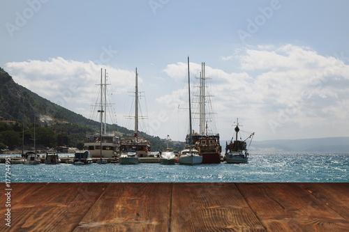 Foto op Plexiglas Natuur Table on seaside background