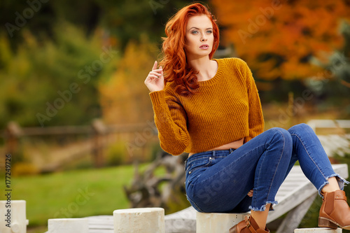 Plakat Autumn redhair girl