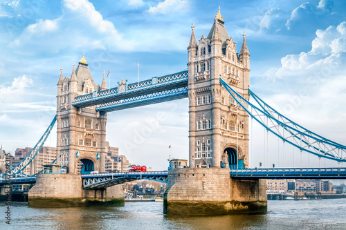 Foto op Canvas Londen London Tower Bridge am Tag