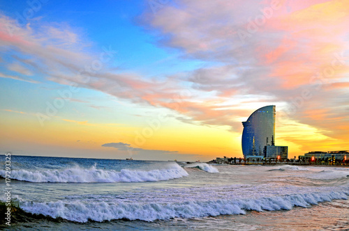 Foto Spatwand Barcelona Barcelona beach on sunset