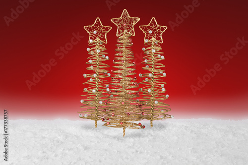 Fotobehang Rood paars Gold wire tree Christmas Decoration on a fake snow background