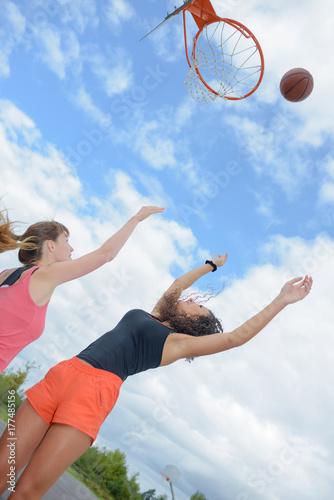 Fotobehang Basketbal girls playing basketball