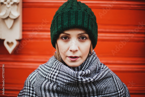 portrait of a girl in a hat, autumn - 177550796