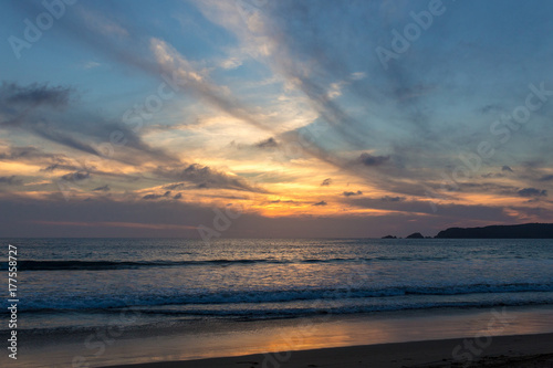 Foto op Canvas Zee zonsondergang Atardecer