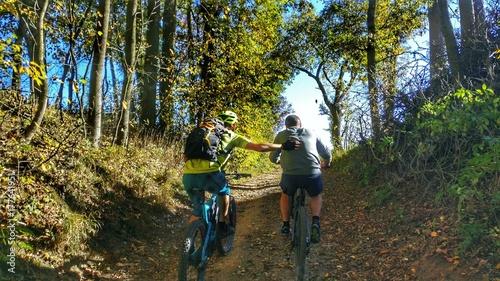 mountainbiker i II - 177641951