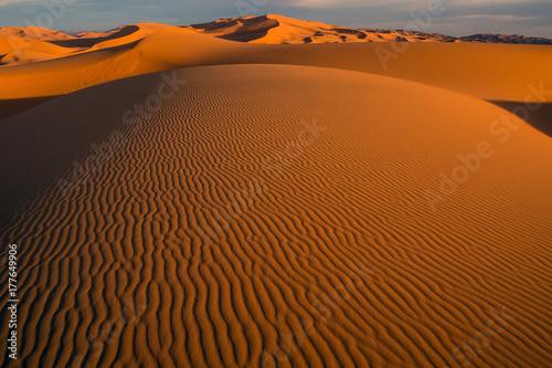 Papiers peints Maroc Morocco Merzouga Erg Chebbi sand dunes sunset