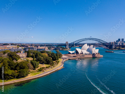 obraz PCV Aerial Sydney view with the Opera house right by the Sydney harbour. Beautiful town. Australia.