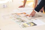 Home seller presenting property advantages - 177734919