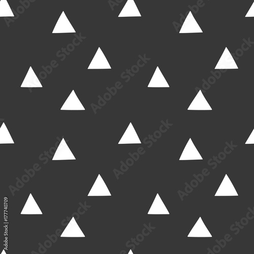 Black and white wrapping paper. Vector seamless geometric pattern with triangles. - 177740709