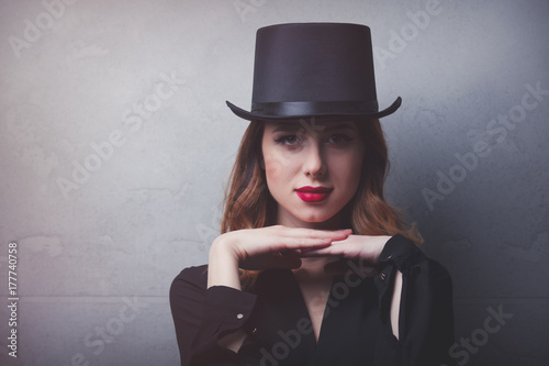 Plakat Style and mystique redhead girl in top hat