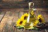 Sunflower oil and seeds - 177822353