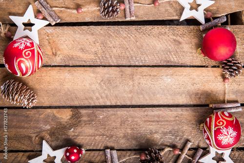 Weihnachtsdekoration - 177823743