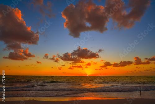 Foto op Aluminium Oude gebouw Mahahual Caribbean beach in Costa Maya
