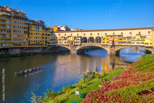 Papiers peints Florence Ponte Vecchio over the Arno River in Florence