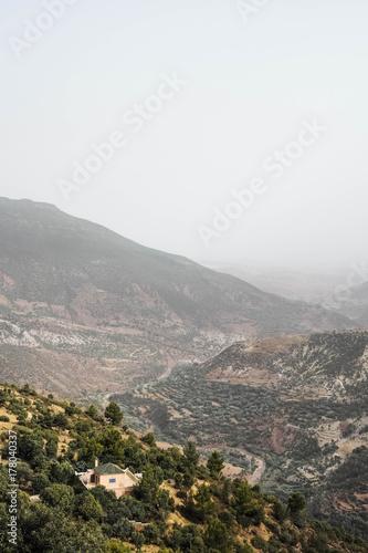 Foto op Canvas Wit サハラ砂漠への道のり