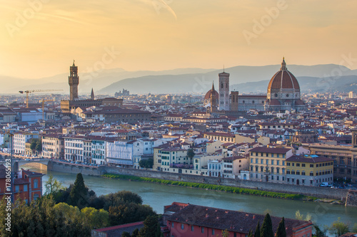 Deurstickers Toscane Florence city skyline with sunset in Tuscany, Italy
