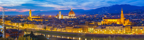 Fotobehang Toscane Panoramic view of Florence city skyline at night in Tuscany, Italy