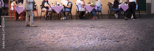 Comiendo en el Trastevere Poster