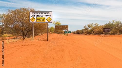 In de dag Oranje eclat Road Trip durch Australien